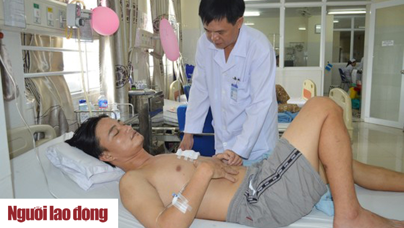 Hàng Chục Bác Sĩ Bệnh Viện Thiện Hạnh Cứu Sống Bệnh Nhân Bị đâm Thủng Tim