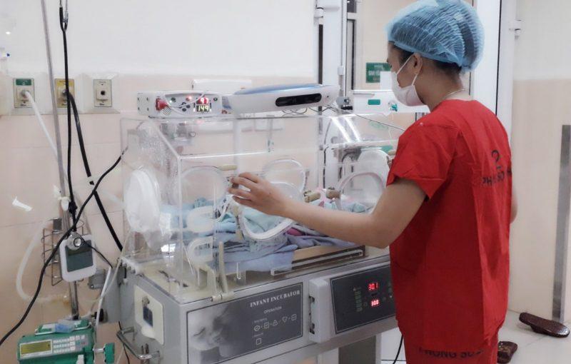 Bệnh Viện Thiện Hạnh: Cứu Sống Và Nuôi Dưỡng Thành Công Bé Gái Sinh Non Chỉ Nặng 1kg